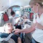 Регулярный рейс самолета для пациента на ИВЛ